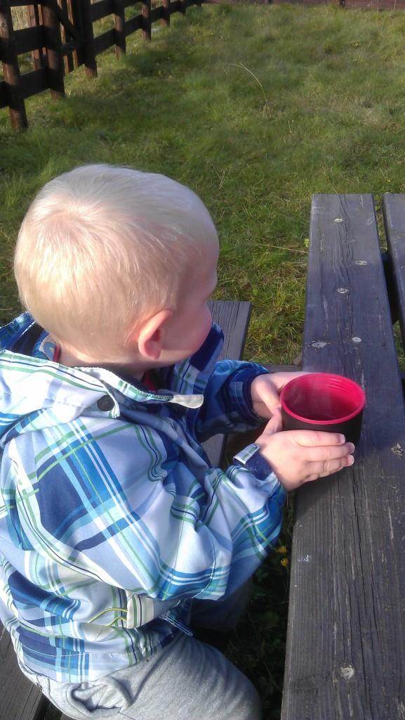 Godt å varme seg på litt kaffe