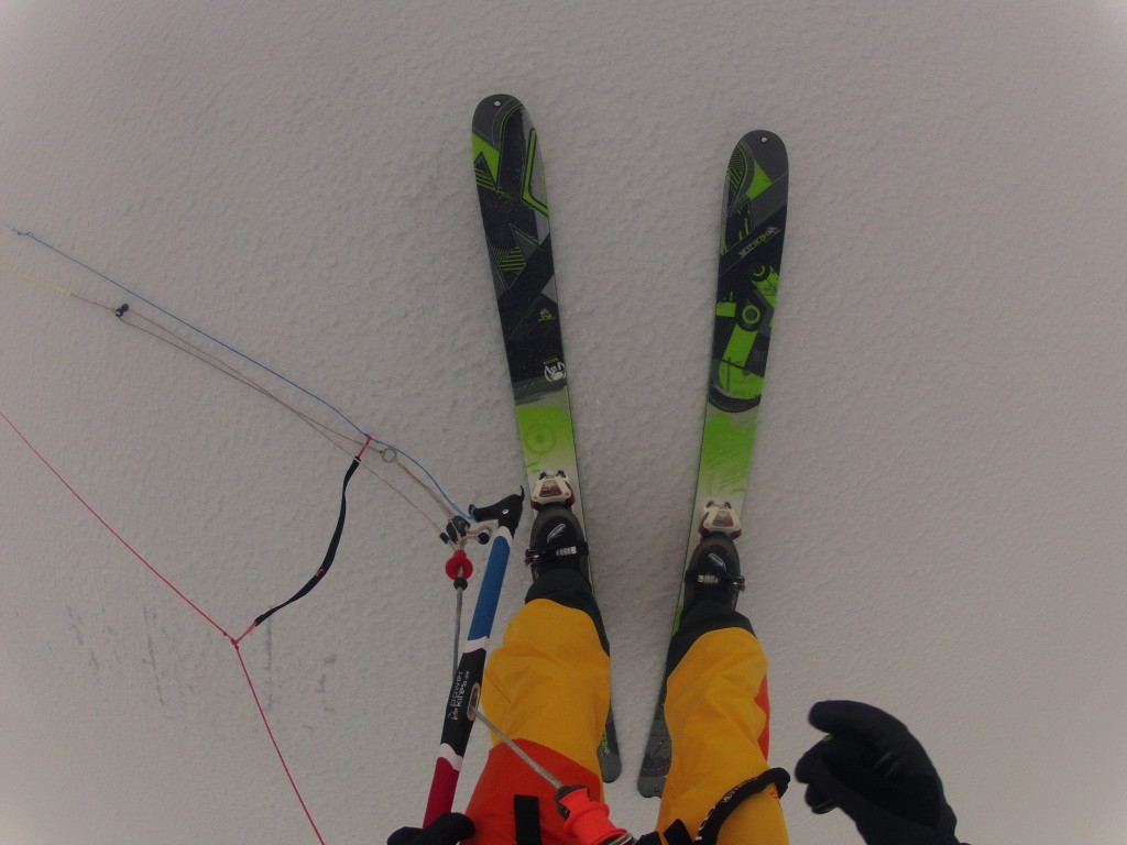 Greit med brede ski, var ca 3mm snø på isen:P