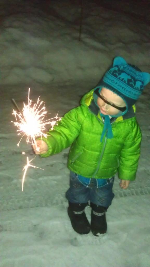 Guttungen feirer nyttår med vernebriller og stjerneskudd:)