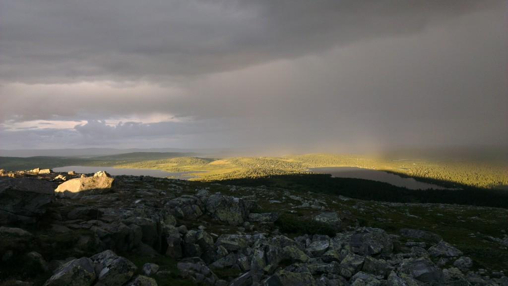 Regnet jaget oss opp på toppen